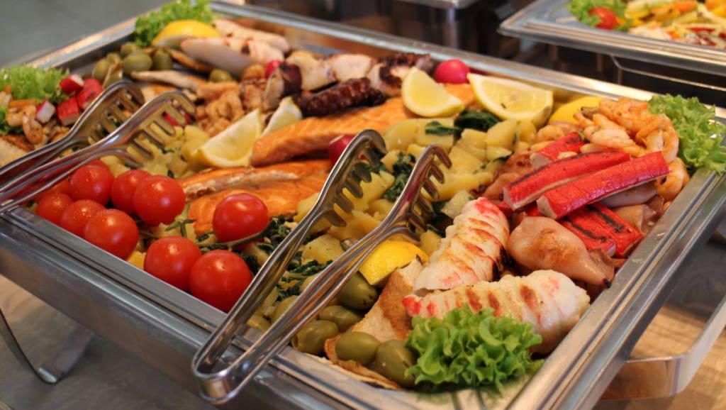 Ketering - Posno posluženje - riba i plodovi mora za slavu