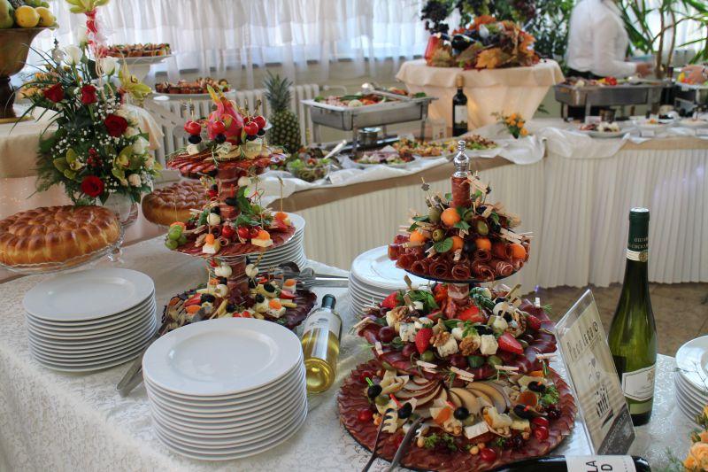 Koktel posluženje za svadbeni ručak u Beogradu