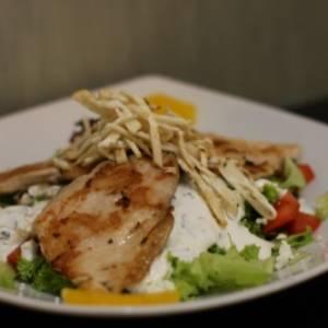 Salata od dimljene pastrmke