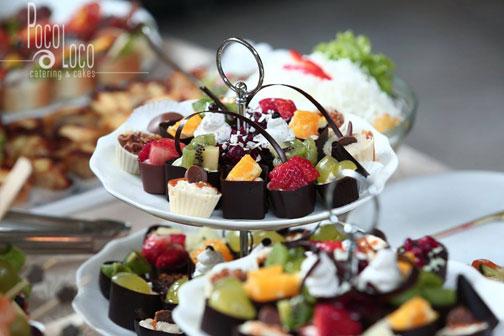 Čokoladne korpice punjene voćem i kremom