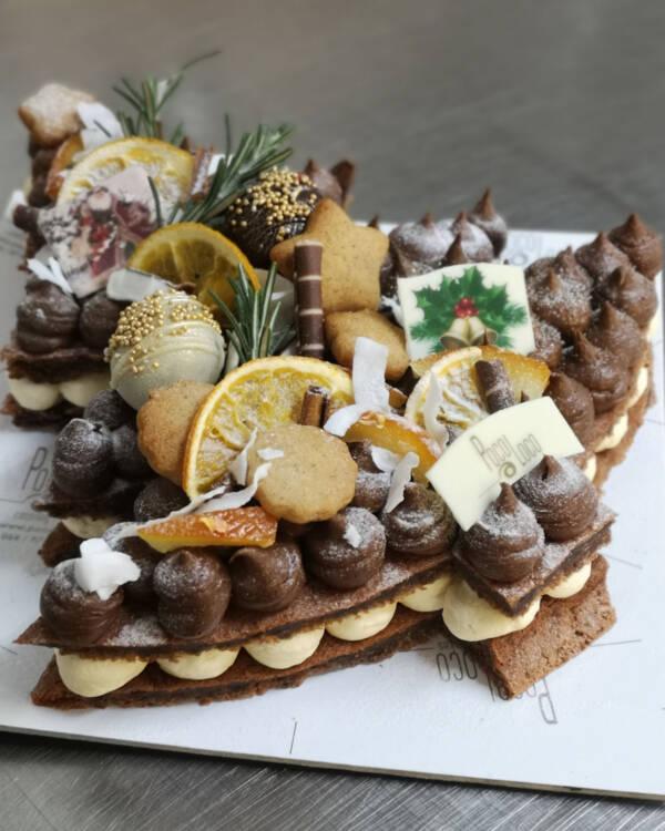 Torta u obliku novogodišnje jelke