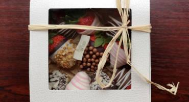 Poklon pakovanje jagoda u čokoladi (400gr)